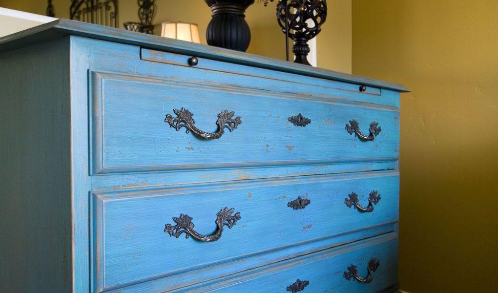 peinture la craie comment peindre un meuble mobilyeah. Black Bedroom Furniture Sets. Home Design Ideas